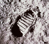 62043main_footprint_on_moon_4